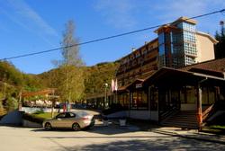 Hotel Jelak u Lukovskoj Banji